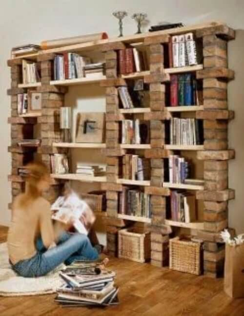 Bibliothek aus Ziegelsteinen