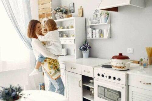 So gestaltest du deine Küche kindersicher