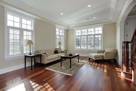 Verwende Holzmöbel für mehr Eleganz in deinem Zuhause