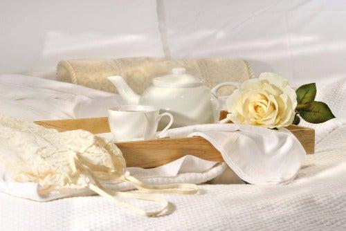 Verwandle dein Schlafzimmer in einen romantischen Raum