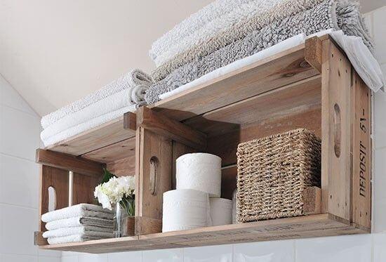 Caixas de madeira para o banheiro.
