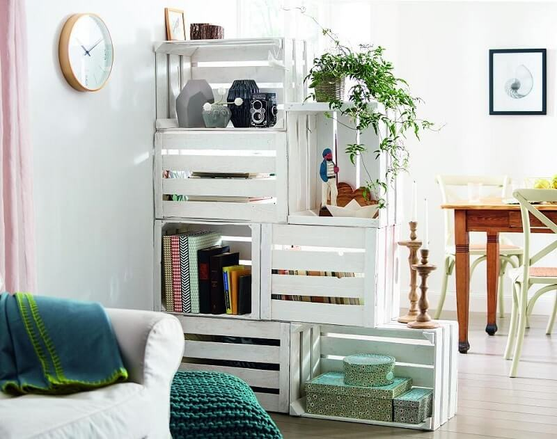 decorar sua casa com caixas de madeira-caixas brancas.