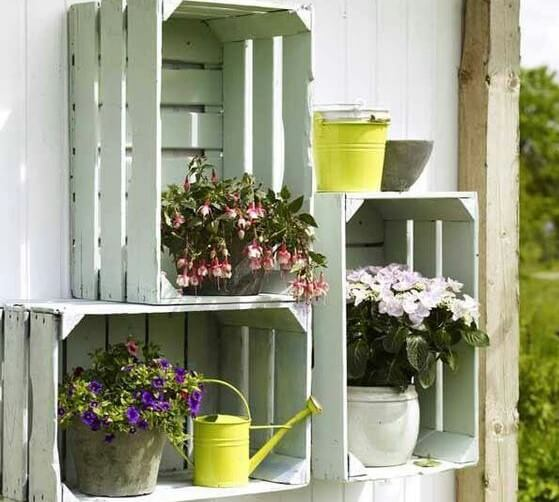 Cajas de madera para decorar tu casa 5 ideas geniales - Jardines decorados con madera ...
