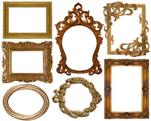 Distintos marcos de espejos vintage.