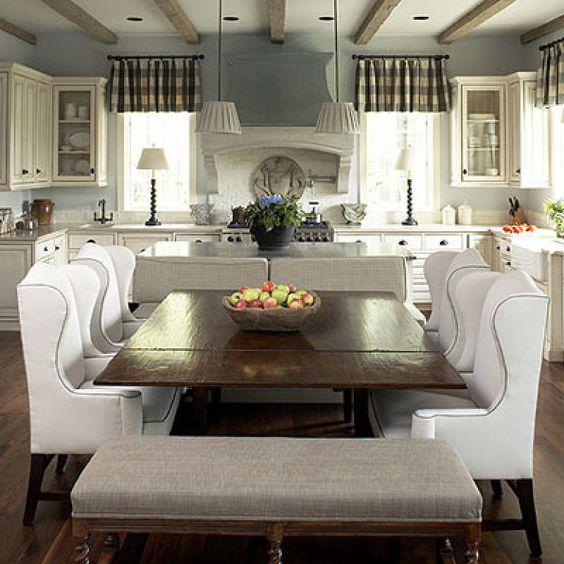 Decoración radial entorno a la mesa de comedor