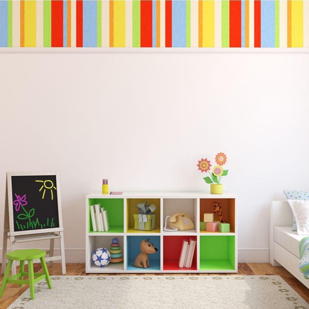 Papel pintado de colores neutros para habitación de niña