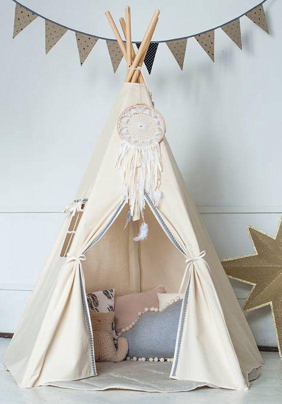 Tipi o tienda de campaña de decoración nórdica