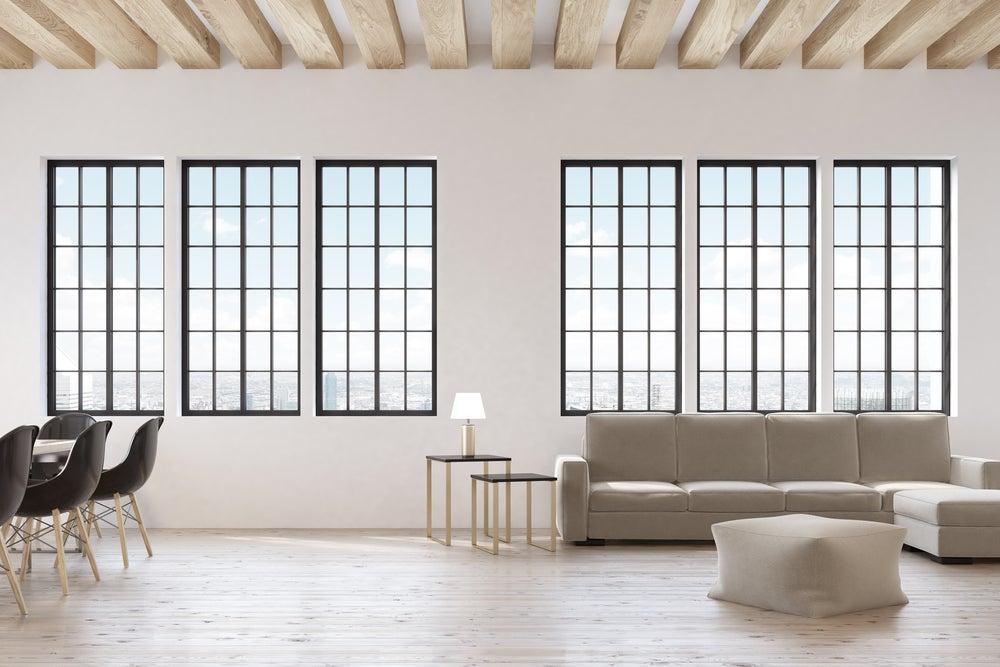 Decoración estilo nórdico con grandes ventanales de luz