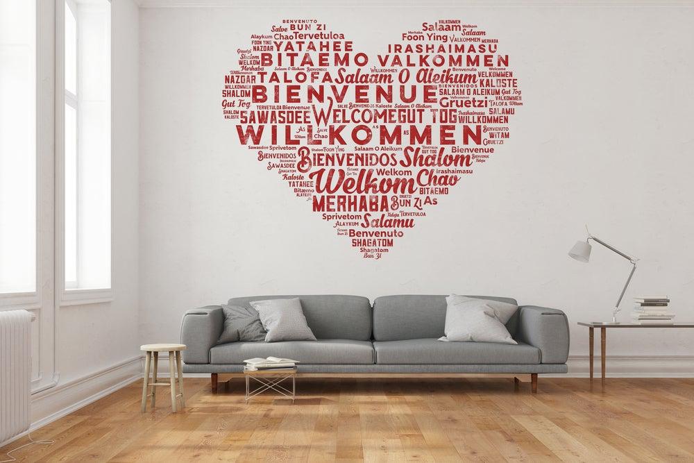 Vinilo de un corazón rojo formado por palabras