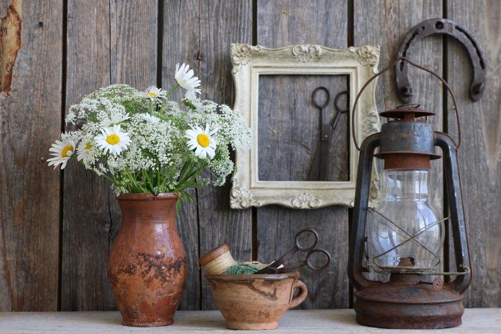 Objetos farmhouse viejos.