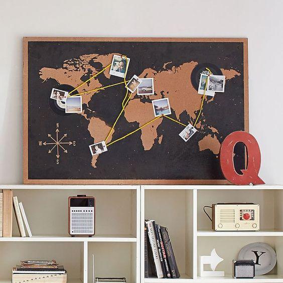 Fotos pegadas sobre un mapamundi.