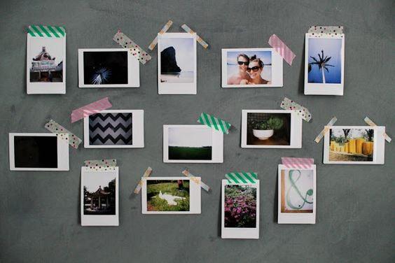 Fotos pegadas directamente sobre la pared.