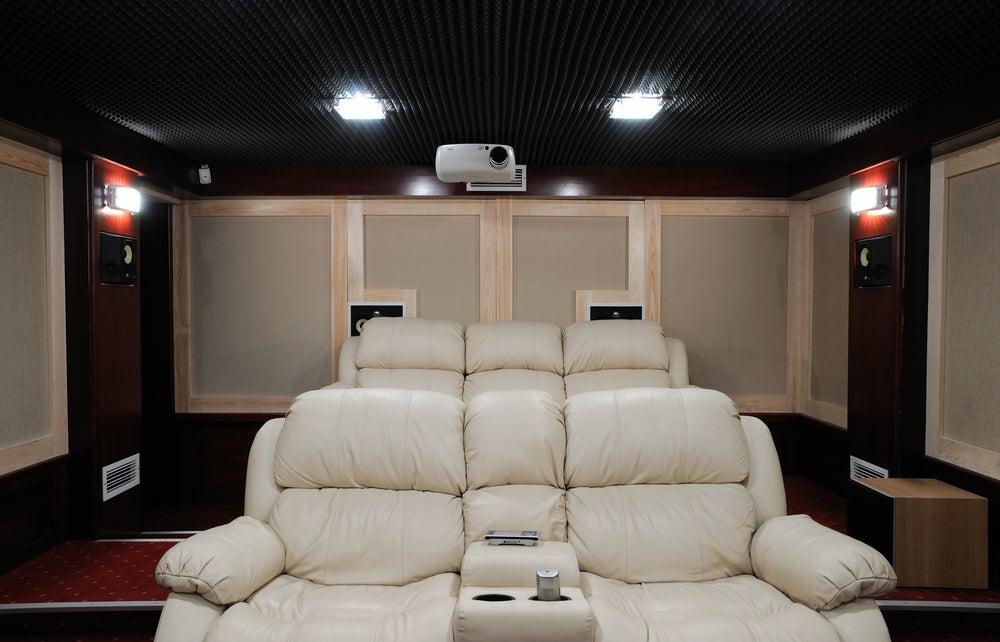 Sofás para tu cine en casa.
