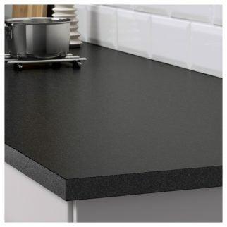 Encimera negra efecto piedra:EKBACKEN para tu cocina.