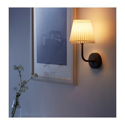 Lámpara Ängland en blanco para colocar en la pared.