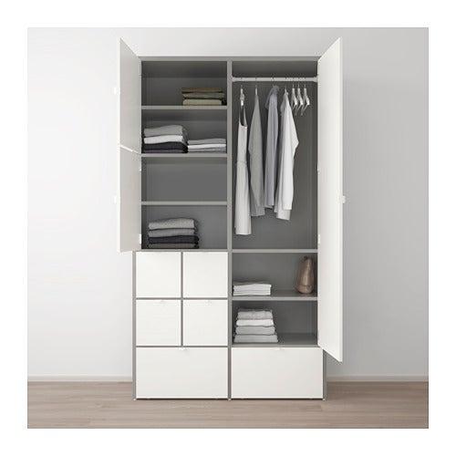 Armario VISTHUS de IKEA.