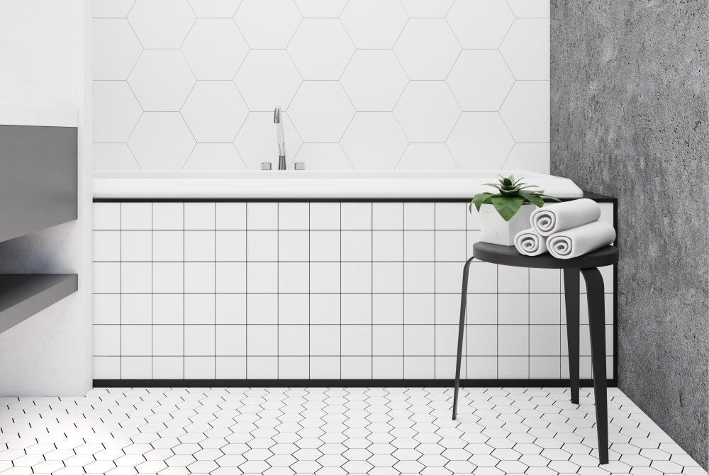 Azulejos de porcelana blanca para el baño.