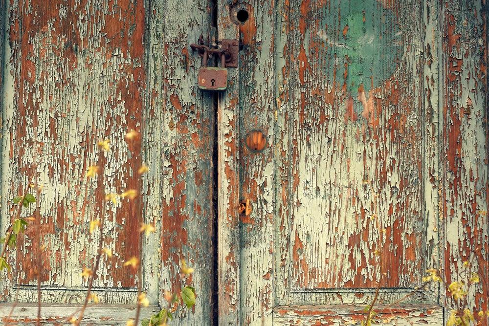 Convertir una puerta en una mesa original