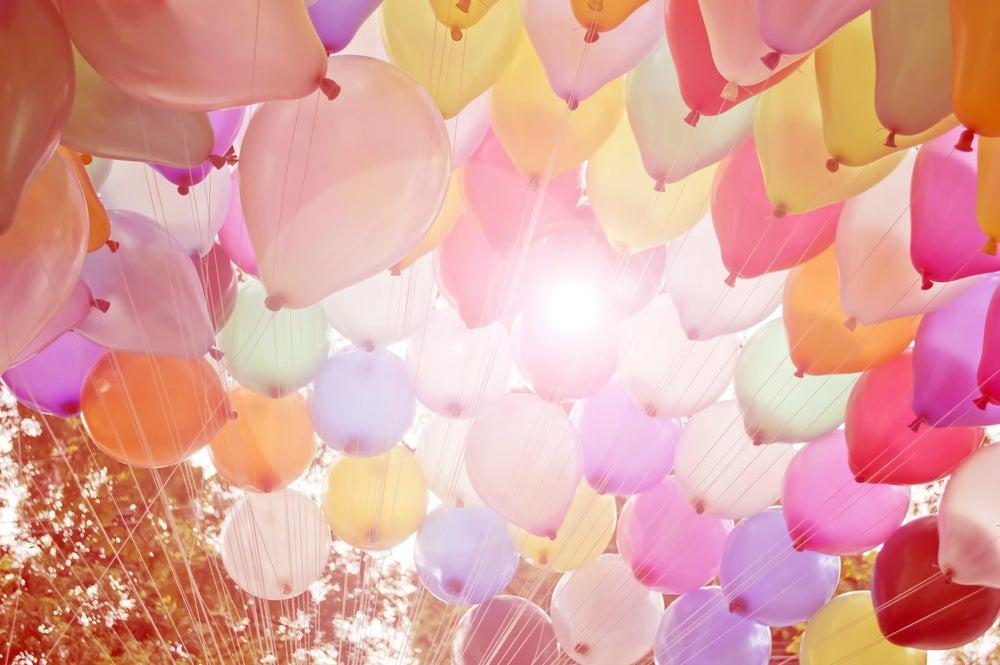 4 trucos de decoración con globos ideales para fiestas