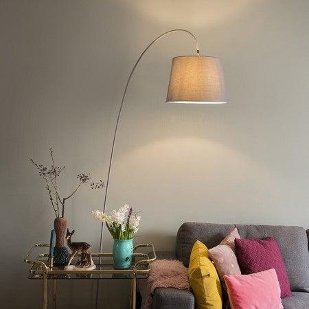 Lámpara de arco de color blanco.