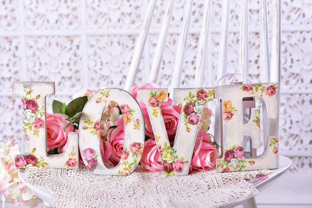 Letras decoradas con servilletas decoupage.