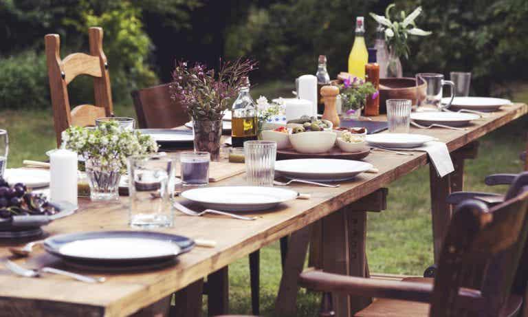 Las mejores mesas de exterior: elige bien la madera