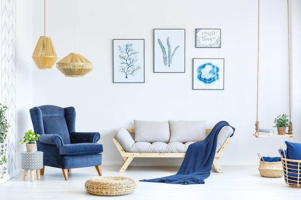 Mobiliario en azul.