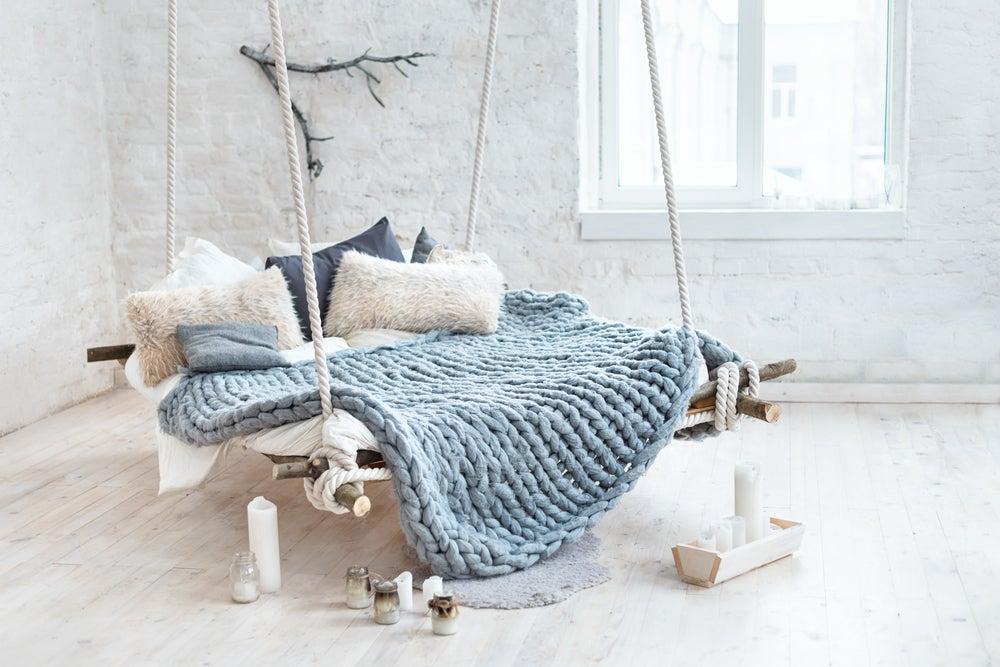Plaid de lana azul-gris.