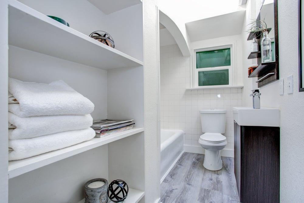 Consejos para decorar el baño y ganar espacio