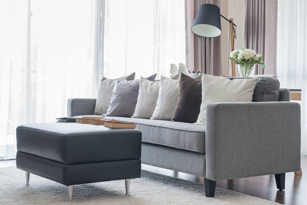 Sofás grises, comodidad en el hogar
