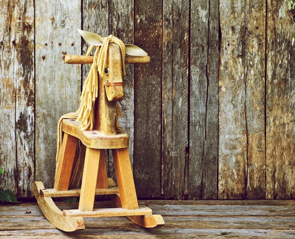 Juguete caballo balancín de madera