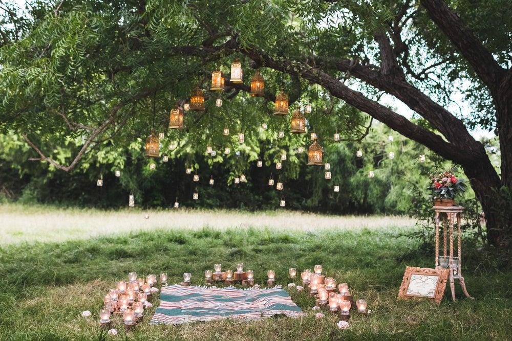 iluminación de boda en jardín