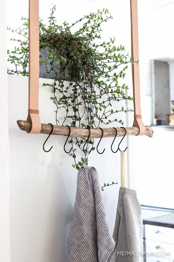 perchero minimalista hecho con rama