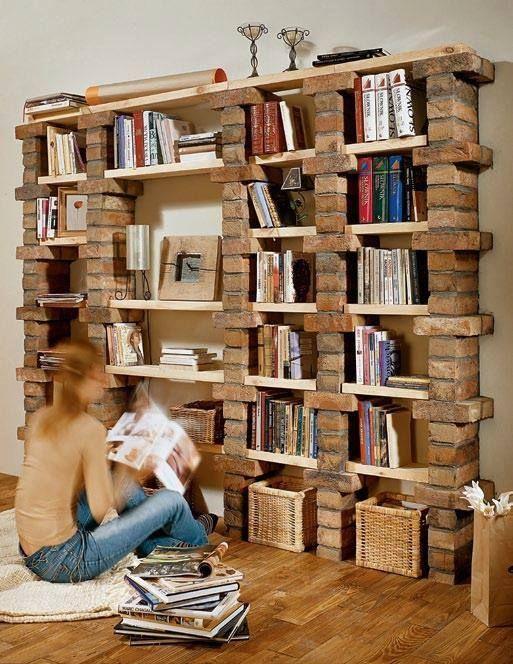 biblioteca con ladrillos