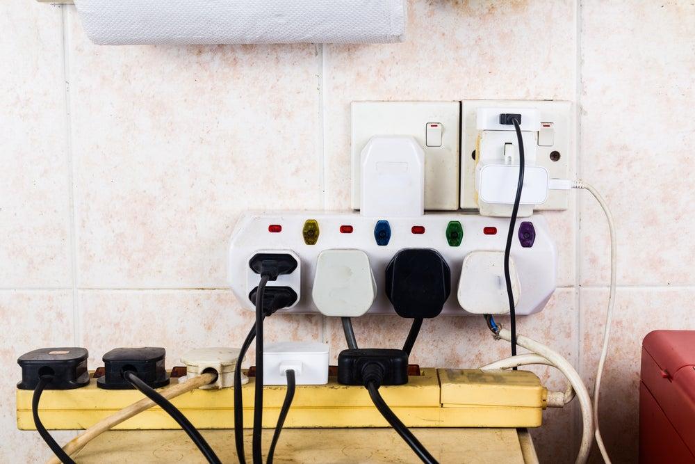 5 formas de ocultar los cables de tus electrodomésticos