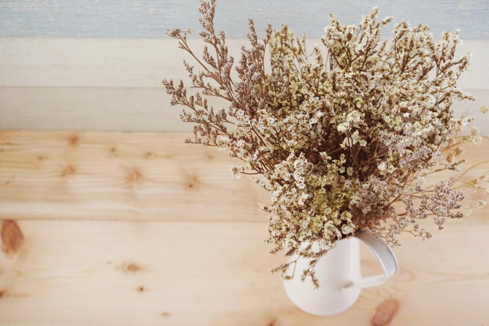 6 formas interesantes de decorar con ramas secas
