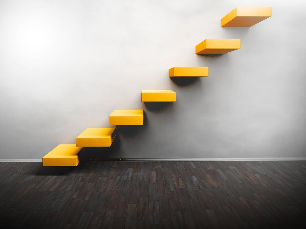 escaleras con diseños creativos, amarillo