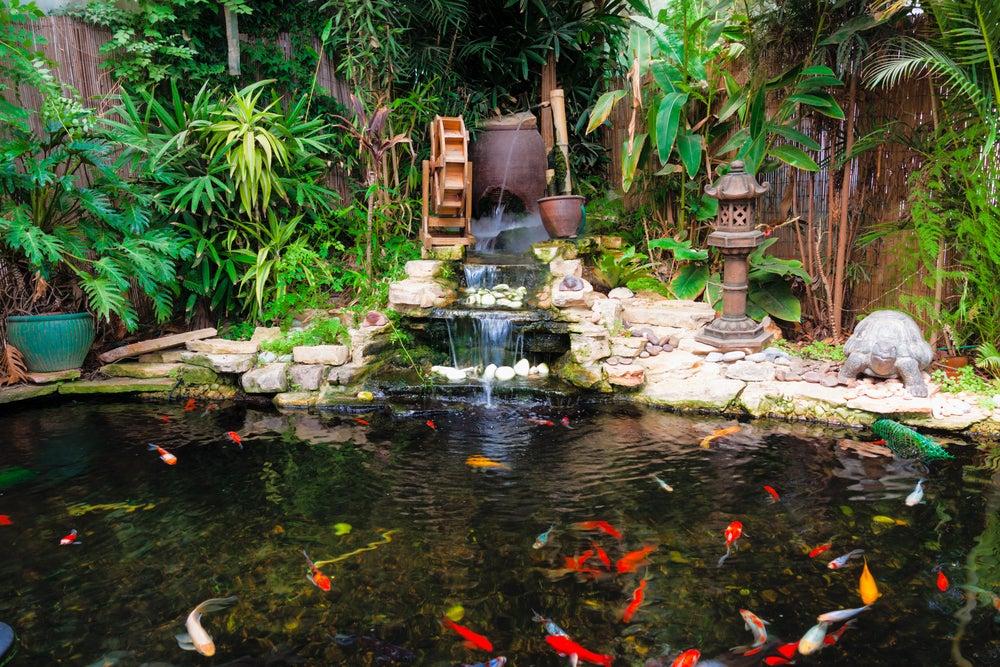 Tipos de fuentes para decorar tu jardín