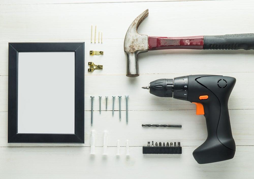 herramientas para colgar cuadros