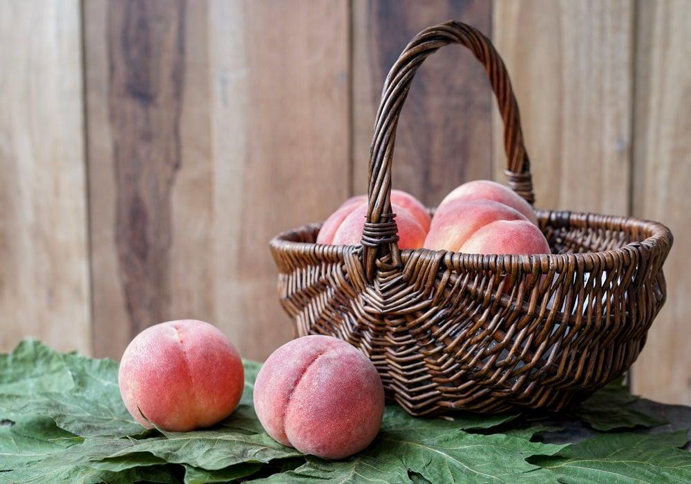 organiza tus verduras y frutas cesta de mimbre
