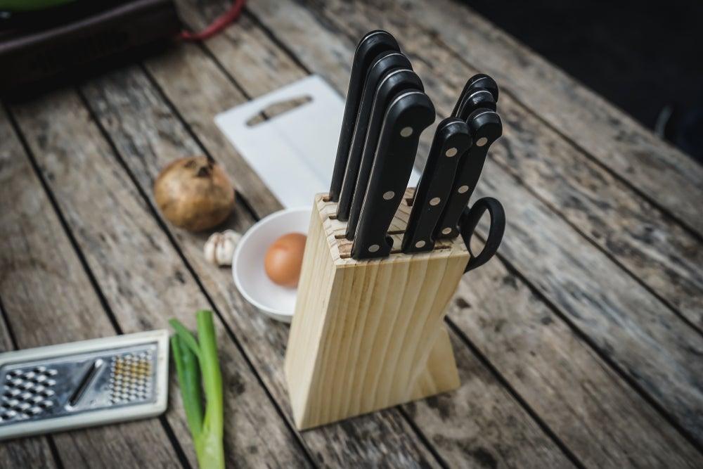 organizador de mesa para cuchillos