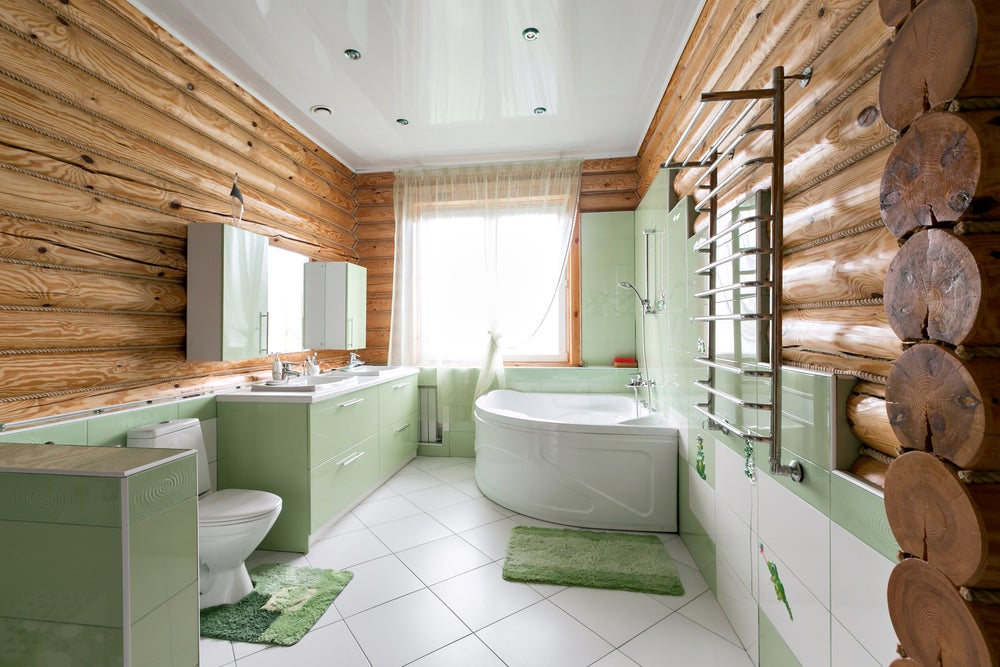Cuarto de baño rústico y vintage en verde.
