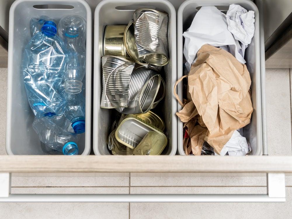 Cubos de reciclaje.