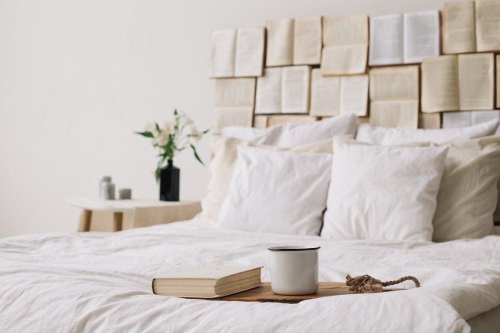 6 consejos que te encantarán para incluir libros en la decoración