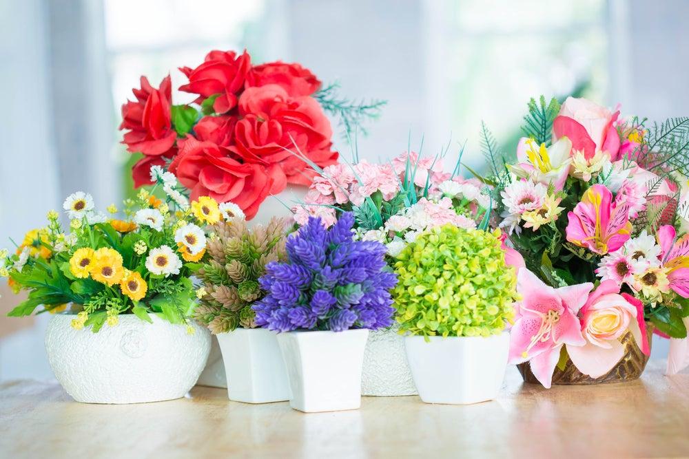 8 consejos para limpiar y mantener las flores artificiales