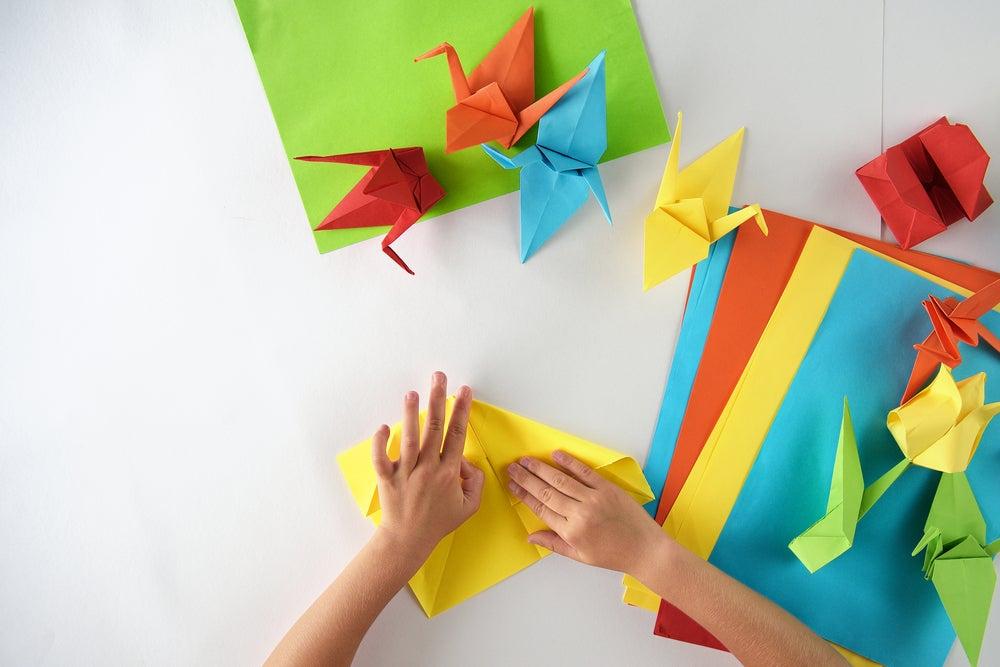 8 pasos para hacer manualidades con papel de origami