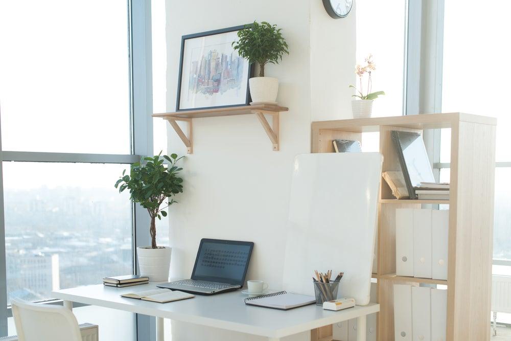 Iluminación del espacio de trabajo o estudio.