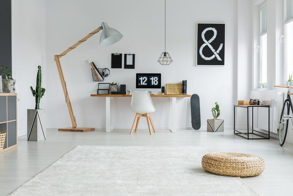 Iluminación con flexos de la zona de trabajo o estudio.