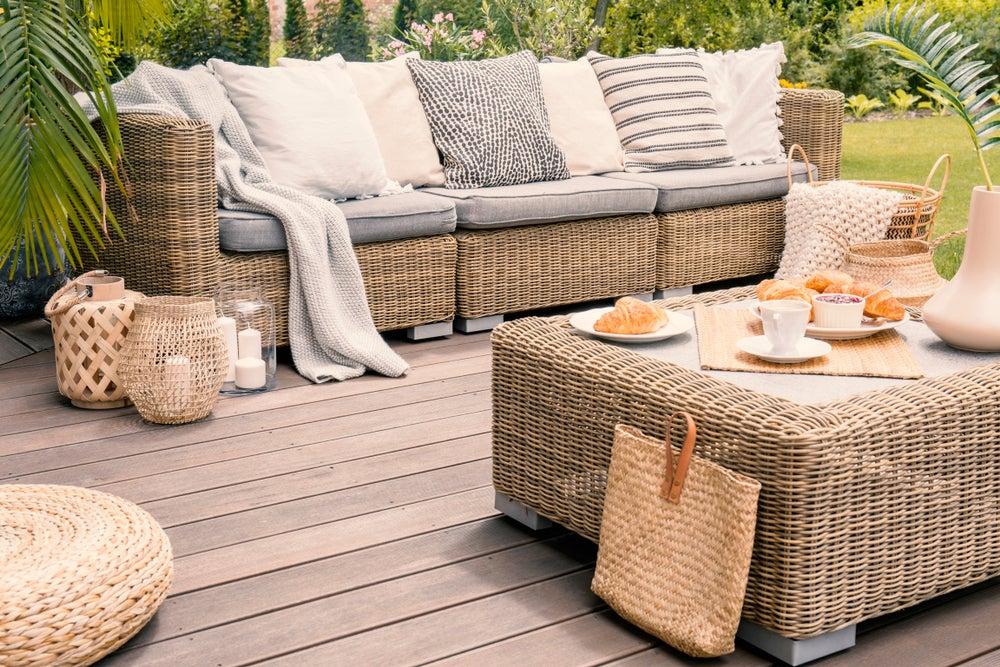 Mesas de fibra para dar un toque personal a tu terraza