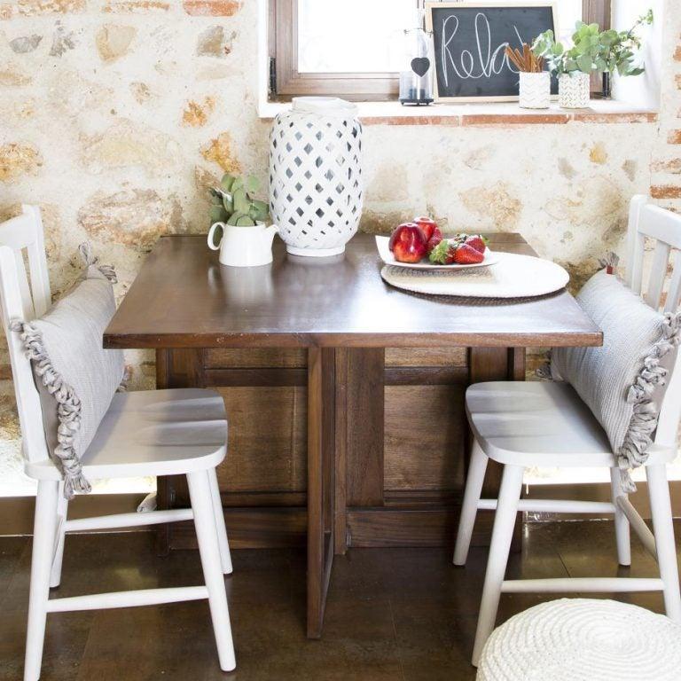 Mesas auxiliares de doble uso: ahorra espacio